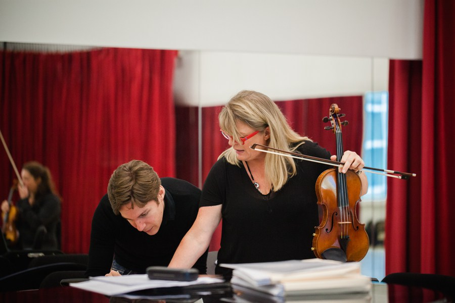 Maxime Goulet with Angèle Dubeau & La Pietà, during a rehearsal for the piece Présentation concertante, in Montréal, in 2014. Photo: Nadia Zheng
