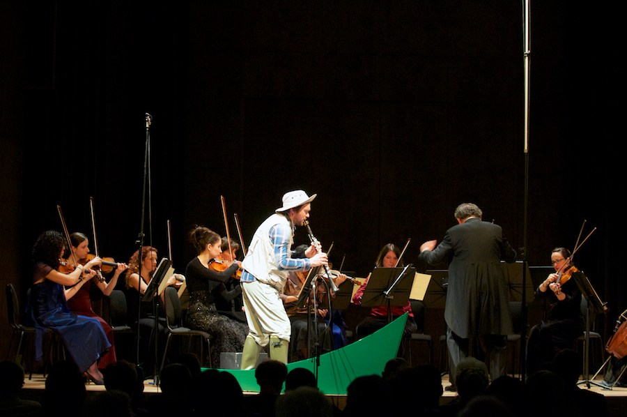 Premiere of Fishing Story with Kornel Wolak, Boris Brott and the McGill Chamber Orchestra, at the Bourgie Hall, in Montreal, in 2014. Photo: Annette B. Woloshen